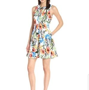 Fab Floral Dress with Pockets!